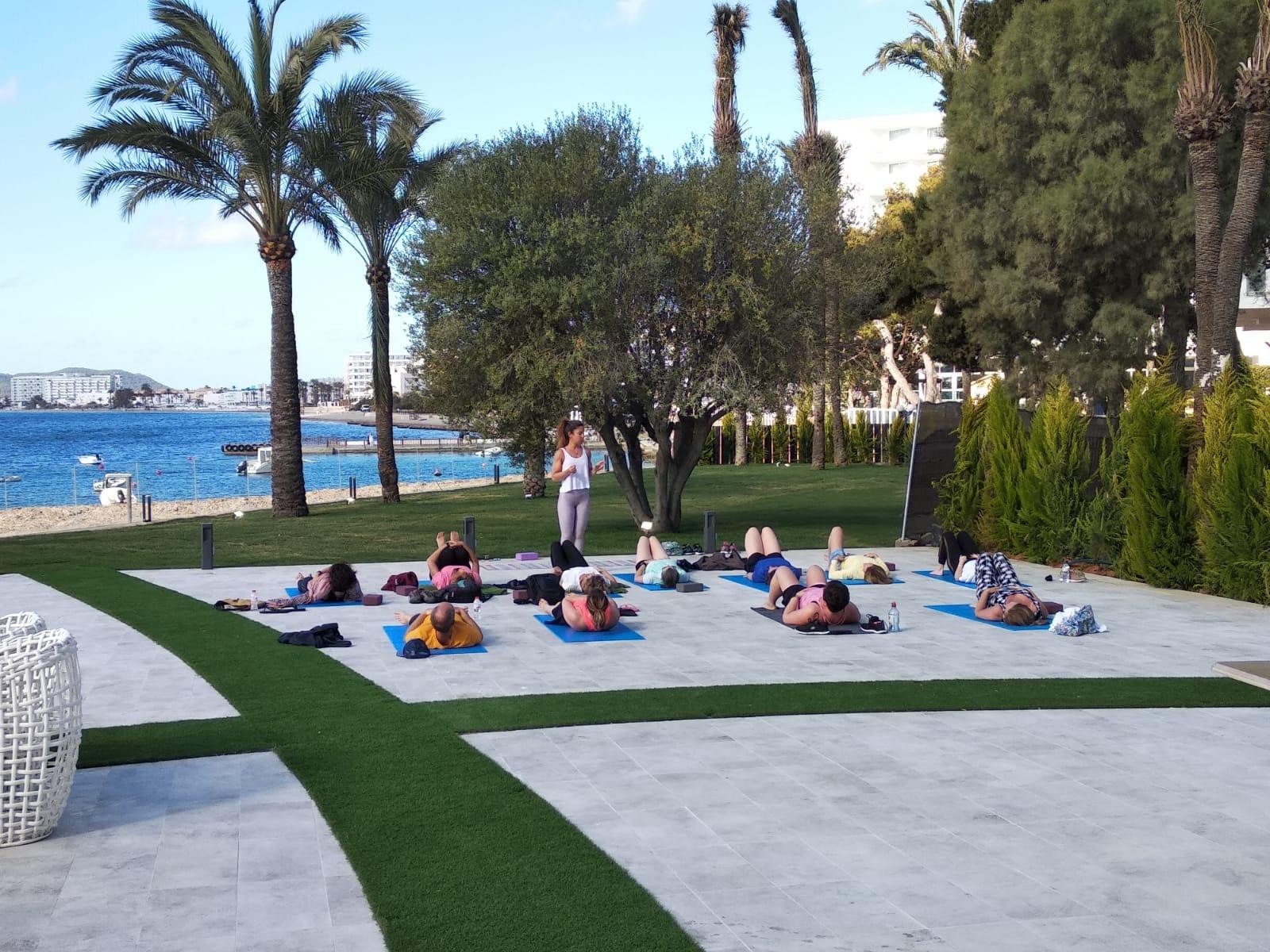 Novedades Hotel Torre del Mar: yoga en Ibiza